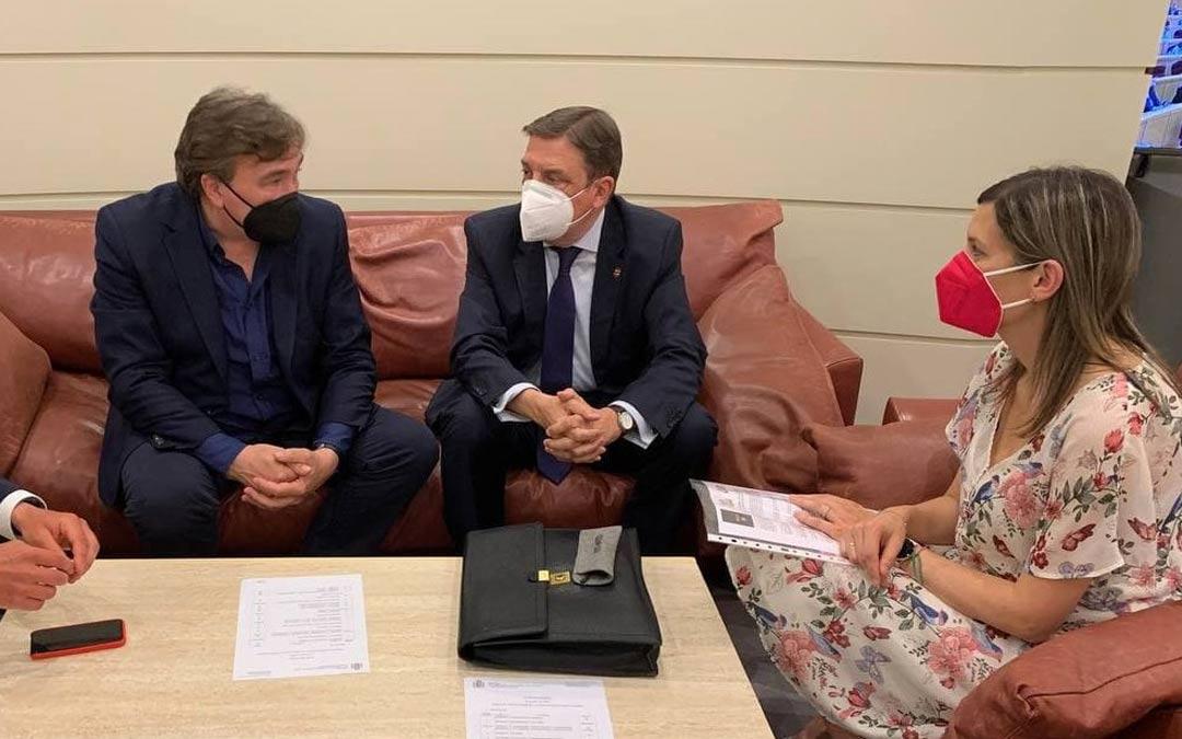 Reunión de Teruel Existe con el Ministro de Agricultura./Teruel Existe