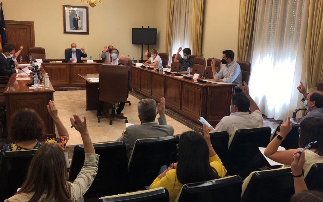 Pleno en la Diputación de Teruel. / DPT