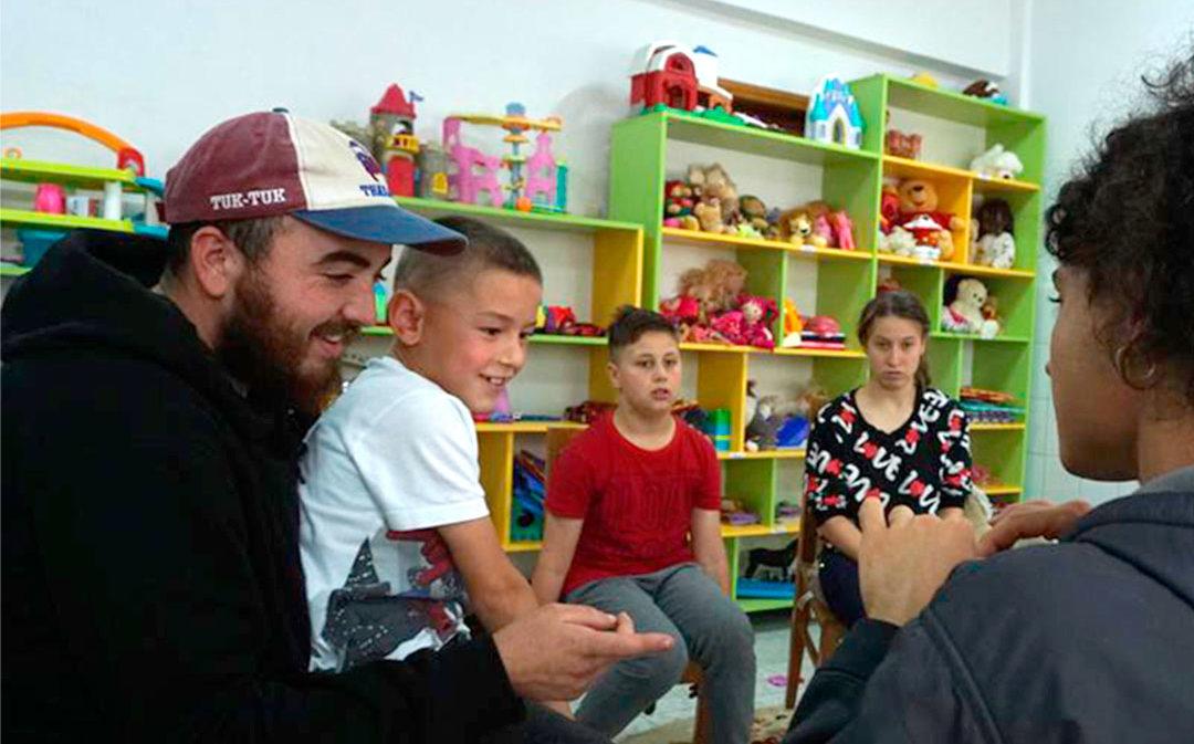 Javier  Carví: «El voluntariado con estos niños me llena de vida y felicidad»