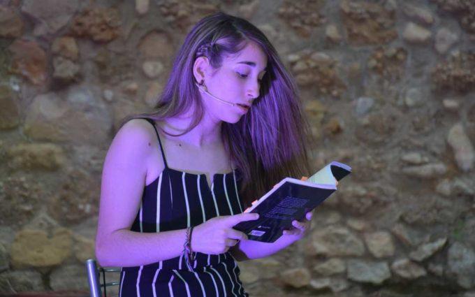 La joven alcorisana Yaiza Yeguas presenta este viernes su primer libro en Alcañiz con la música de Irene Barroso