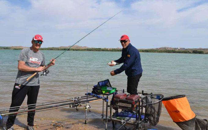 Andrés Parrado y Pedro Pons ganan las 24 horas de pesca Ciudad de Alcañiz
