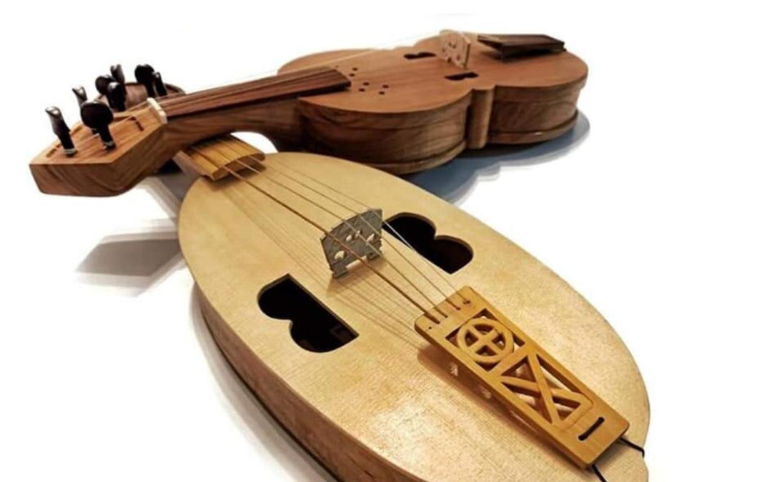 Pablo Morales también elabora instrumentos de cuerda / P.M.