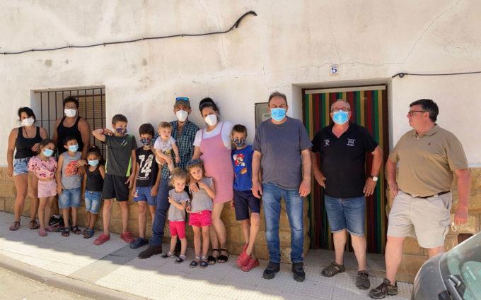 Alacón salvará su escuela del cierre con la llegada de una familia numerosa