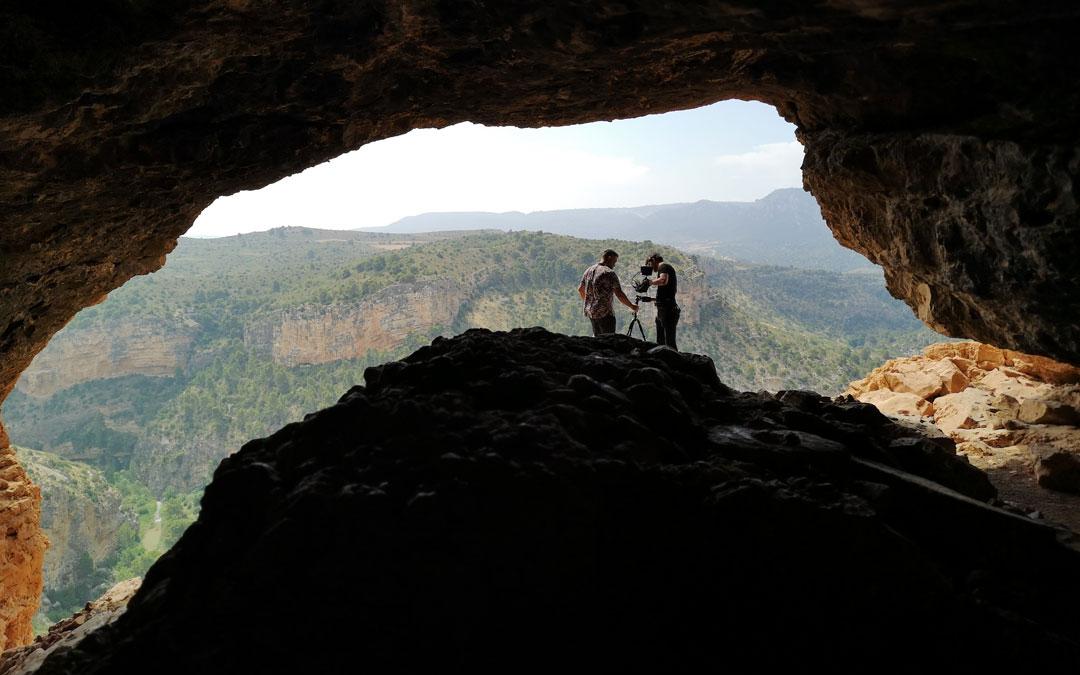 Momento de grabación de uno de los vídeos que promocionarán el imponente patrimonio natural de Albalate. / Ayto. Albalate