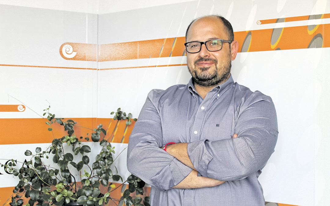 Alberto Izquierdo en Radio La Comarca este jueves. / BEATRIZ SEVERINO