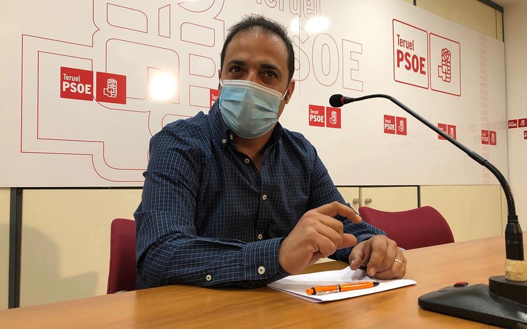 Antonio Amador durante la rueda de prensa este jueves./Psoe Teruel