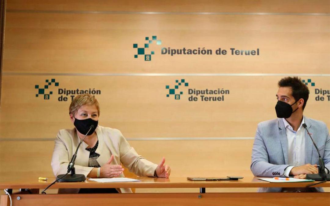 Berta Zapater y Ramón Fuertes, en la rueda de prensa en la DPT./ Javier Escriche