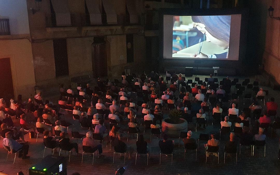 'Las niñas' se proyectó en la última noche del XVI Festival Internacional Buñuel Calanda. / FIBC