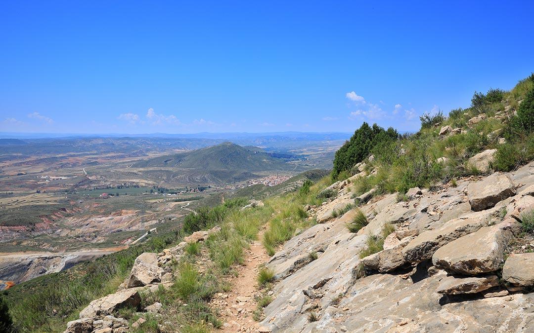 Sendero al Mirador Sierra de Arcos en Ariño