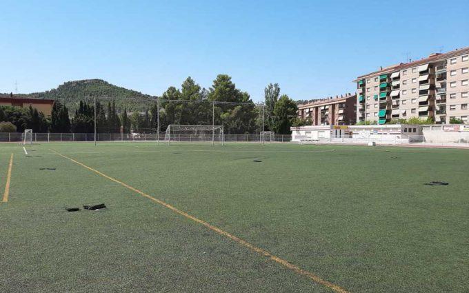 Quejas del Alcañiz C.F.  y la oposición por la gestión del cambio del césped del campo de fútbol