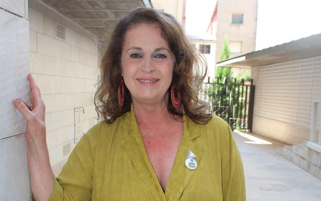 Carla Antonelli, el sábado, en el exterior del Palacio Ardid de Alcañiz / L. Castel
