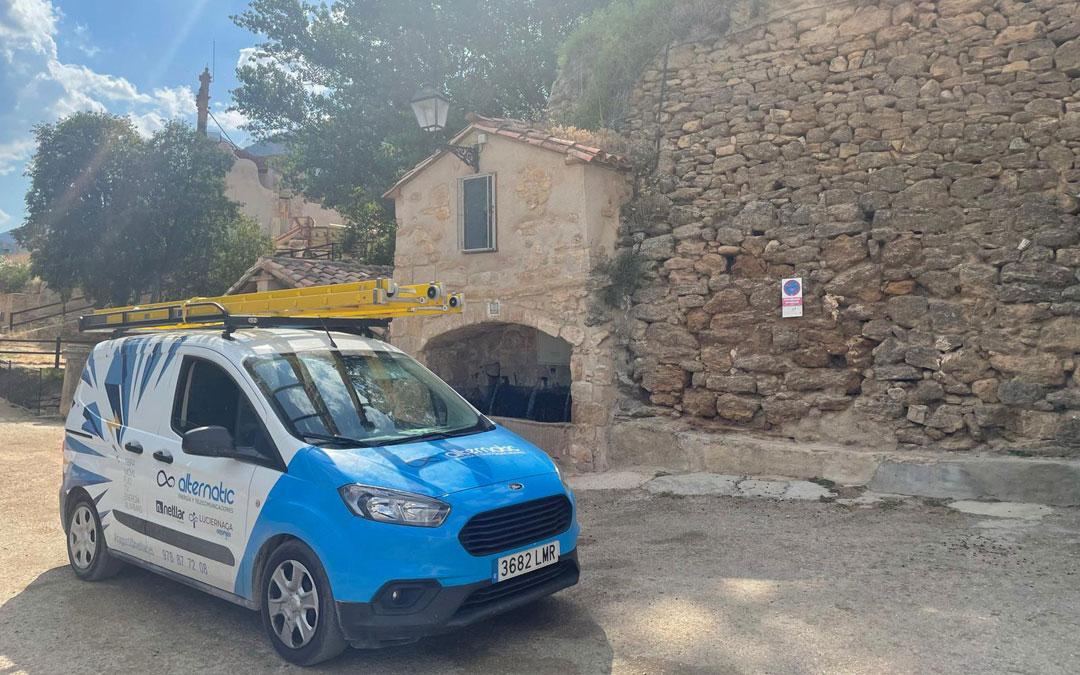 Cuevas de Cañart ya dispone de conexión a internet tras la instalación de redes por Alternatic.