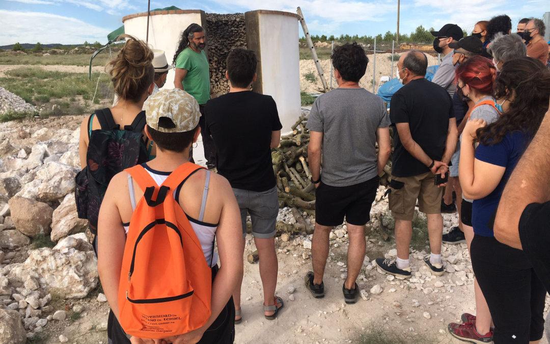 Visita al horno tradicional de Albalate del Arzobispo durante el curso de introducción a la talla del alabastro / La Comarca
