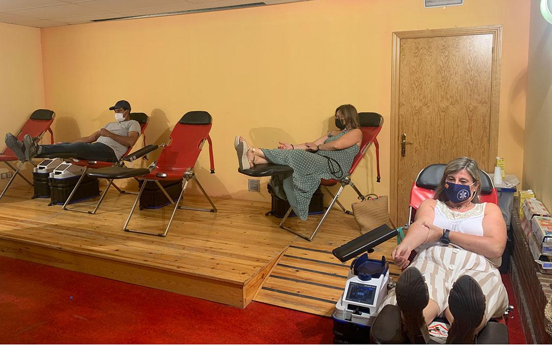 Algunos de los participantes de las jornadas de donación de sangre en Caspe / Eduard Peralta