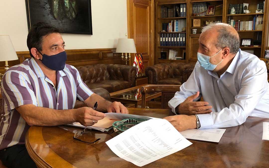 Reunión mantenida entre Rando y Alfonso Pérez en la DPT. Foto. DPT