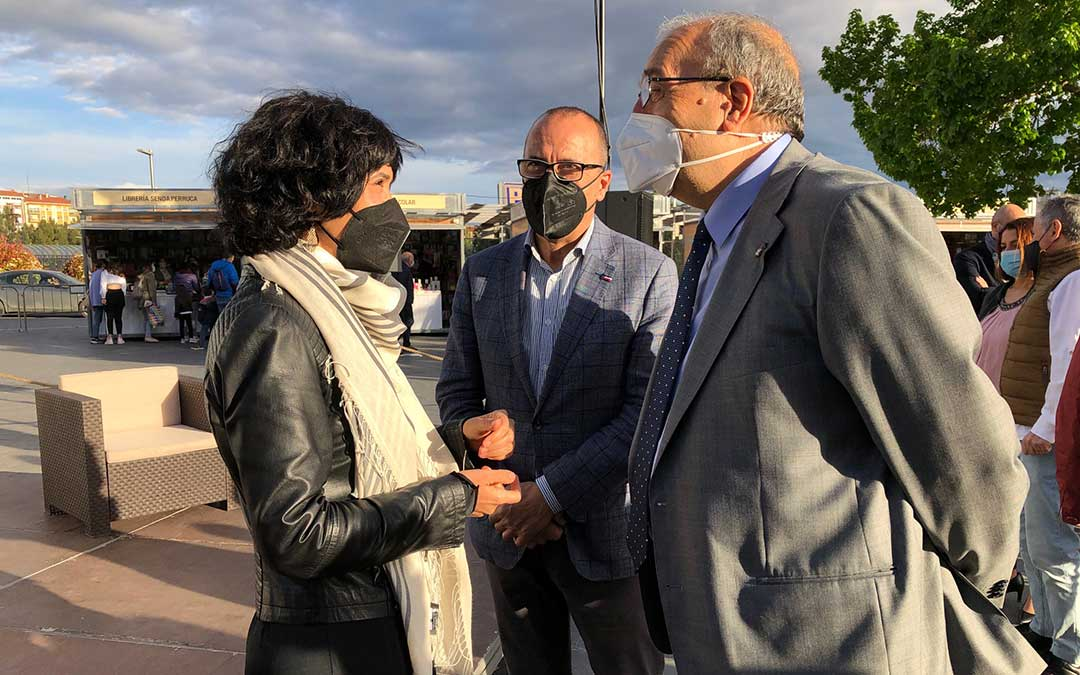 Manuel Rando, presidente de la DPT, y Felipe Faci, consejero de Educación y Cultura del Gobierno de Aragón. DPT