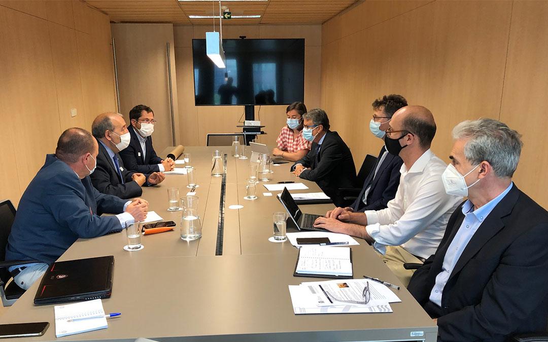 Reunión con el secretario de Estado, Roberto Sánchez./ DPT