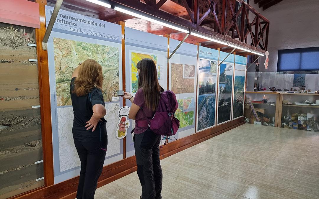 entrevista de maria a julia reportaje aliaga parque geológico