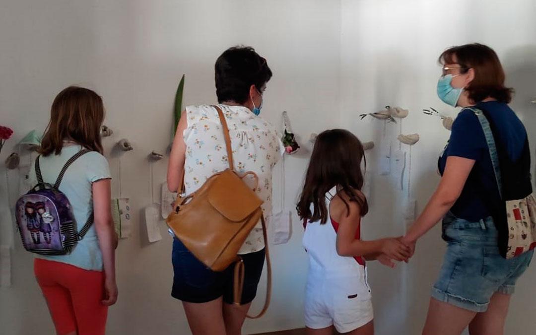 Mayores y pequeños han disfrutado del arte en la capital del Maestrazgo./ L.C.