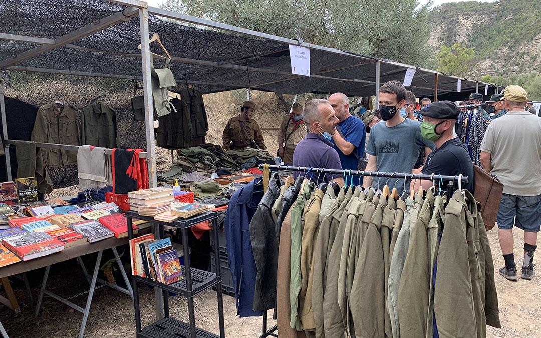 Feria de Militaria ubicada en el entorno. / M. Q.