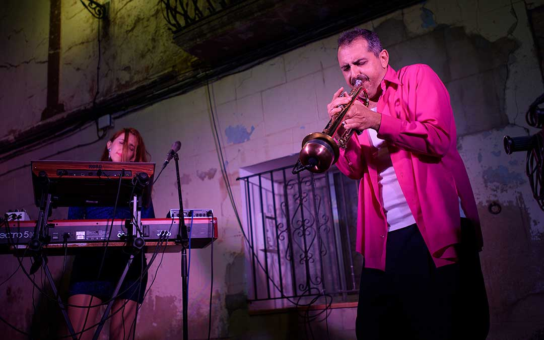 Astro Azul fue el espectáculo que ofreció Versonautas. Matarranya Íntim.