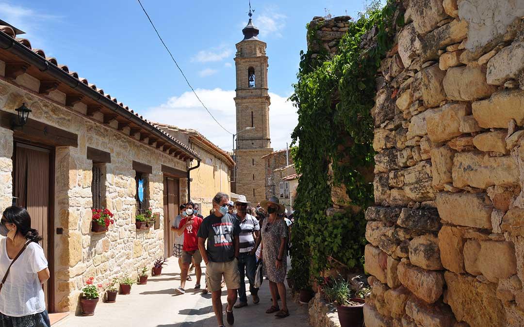 Durante la jornada del sábado ha tenido lugar una visita guiada por las calles de la localidad. Javier de Luna.