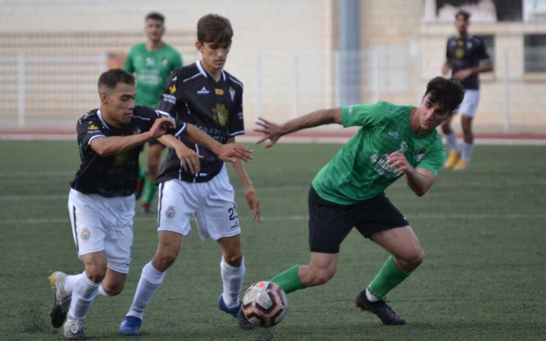 Sánchez y Blasco dos de los jugadores que han participado en el partido. Foto: J.V.
