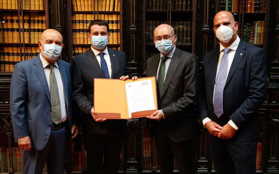 Maestre (IEH), Estevan (PP), Baigorri (PSOE) y Egea (TE) ayer en el Senado / La Comarca