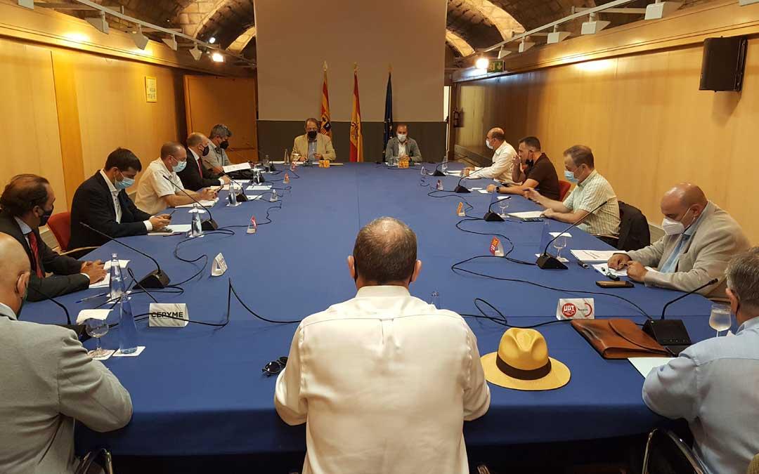 Los miembros de la Mesa para la Estrategia Aragonesa de Recuperación Social y Económica han conocido este lunes los detalles de la tramitación en Aragón de las ayudas a la solvencia / DGA