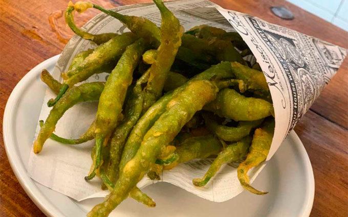 Piparras en tempura