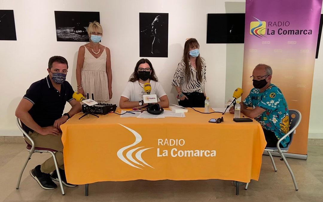 Algunos de los invitados al programa especial emitido desde Calanda./ L.C.