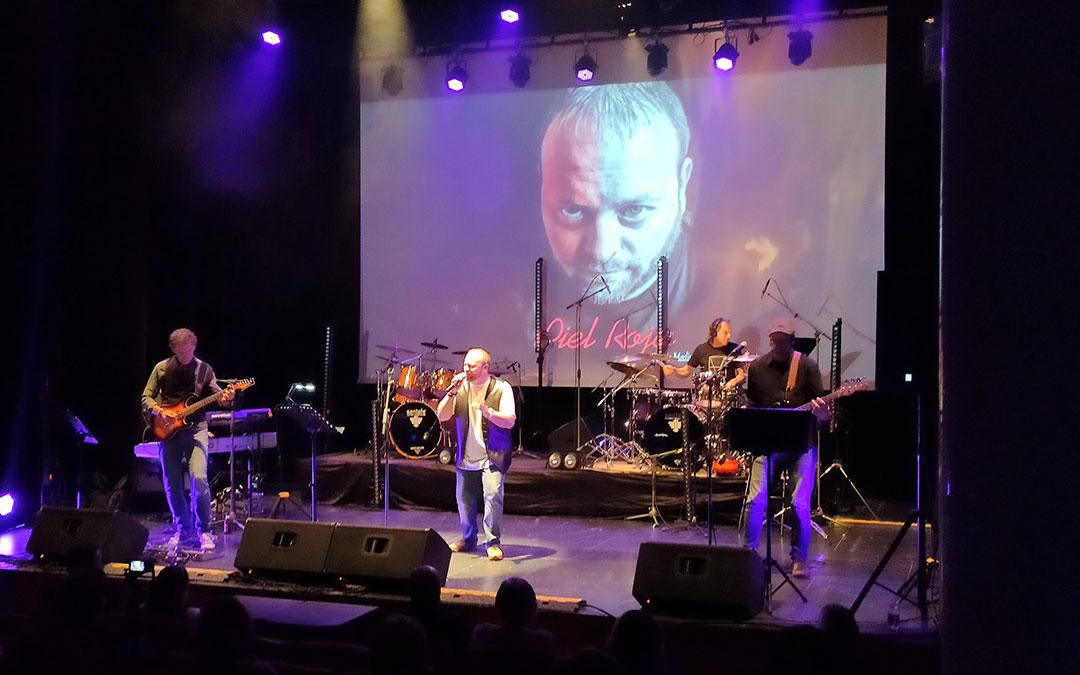 Sergio Medina en el escenario del Espacio Escénico de la Casa de la Cultura de Andorra./ Ayto. Andorra