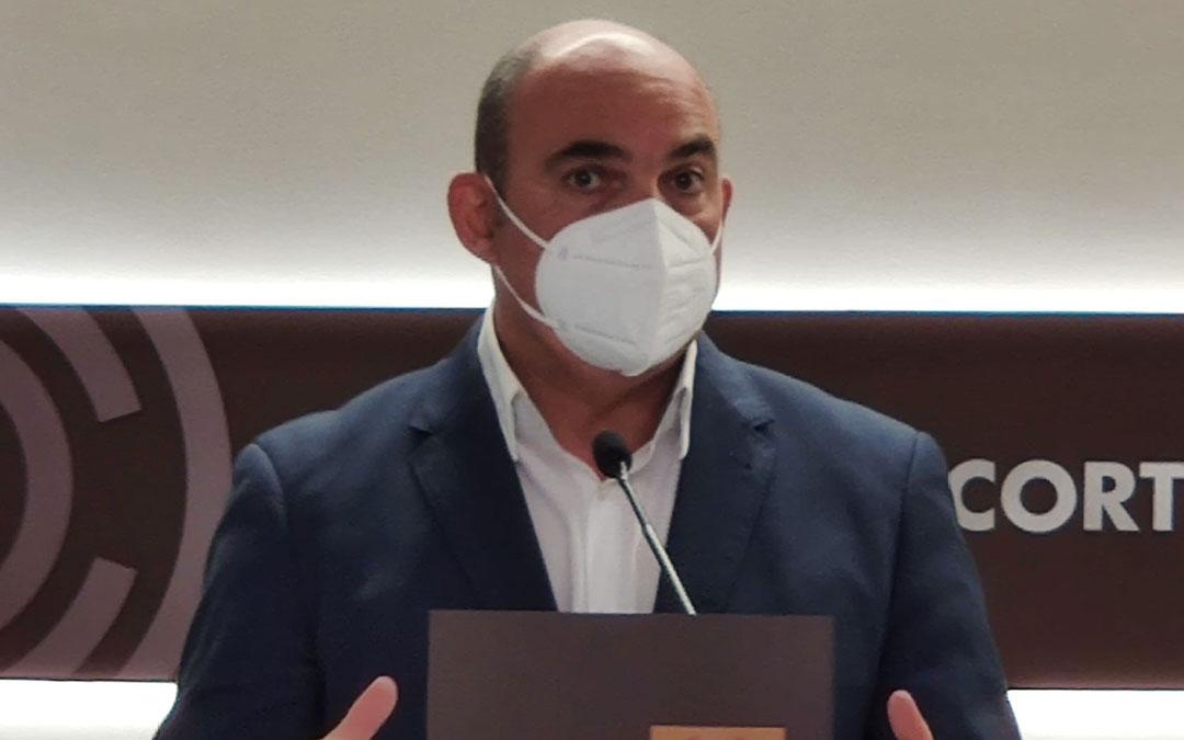 El diputado del PP por Teruel Juan Carlos Gracia Suso este jueves en la sala de prensa de las Cortes./ PP