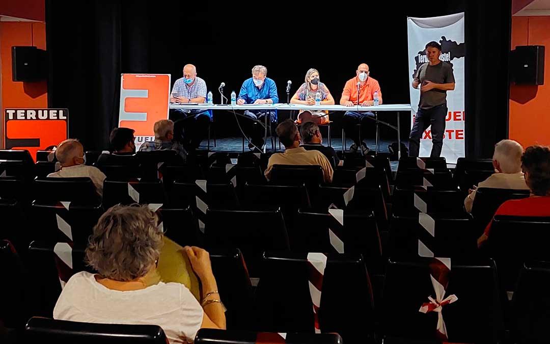 Asamblea Comarcal de Teruel Existe en Valderrobres./ Javier de Luna