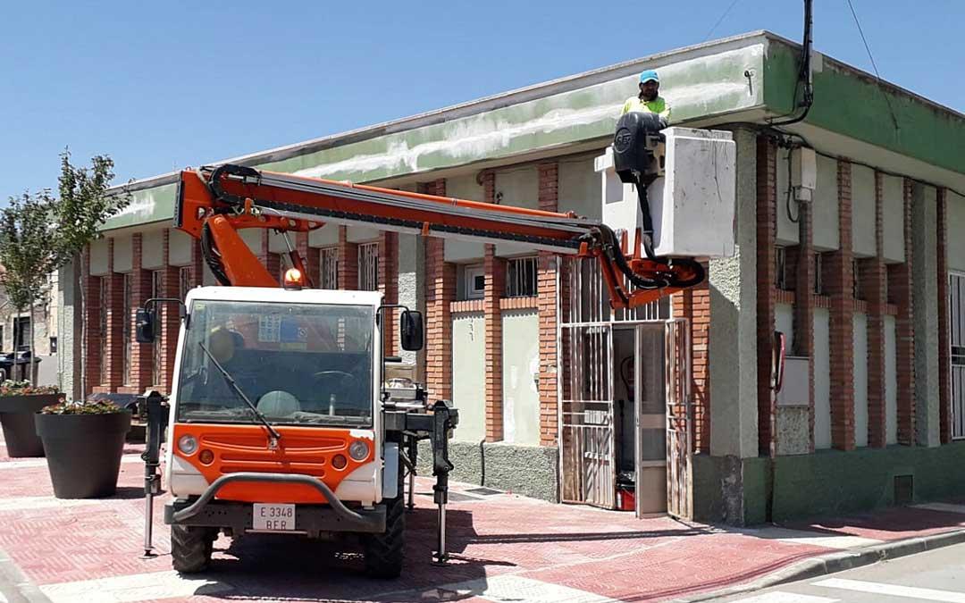 Exterior del edificio Ifes de UGT en Utrillas que se está recuperando. Foto. Ayto. Utrillas