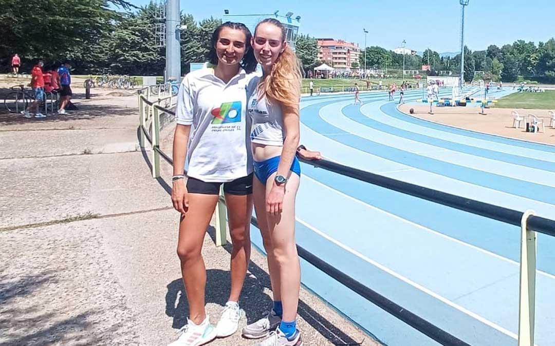 Paloma Lizana y Vega Artero en las pistas de Huesca. Foto. Facebook Tragamillas