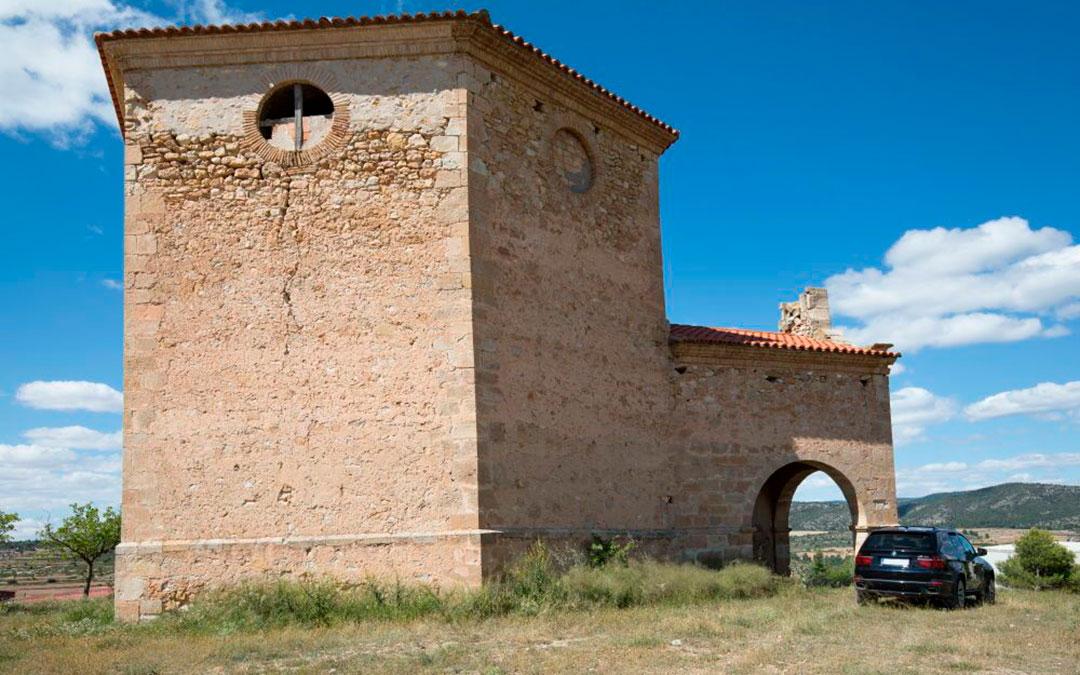 Desperfectos en las paredes de la ermita/ Lista Roja Hispania Nostra