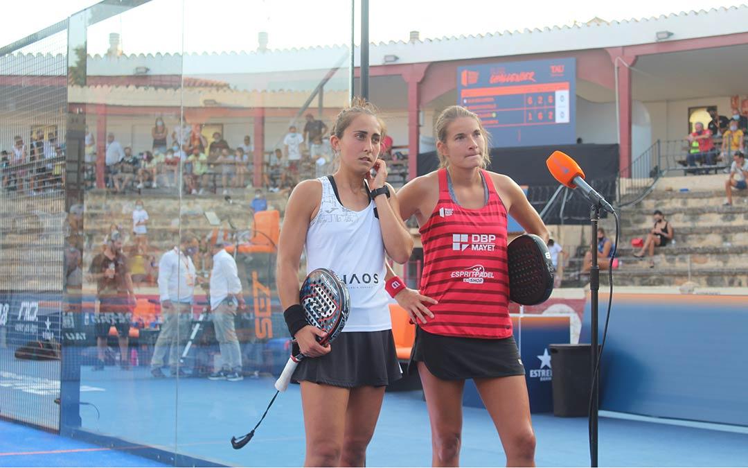 Jessica Castelló y Alix Collombon vencieron la semifinal femenina por la tarde en Calanda / Eduard Peralta