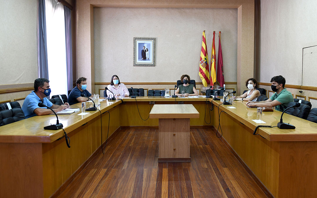 Comisión de Festejos este miércoles en el Ayuntamiento. / AYTO. ALCAÑIZ