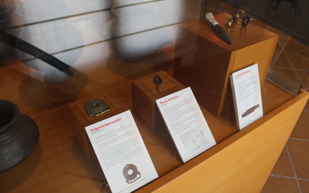 Algunos de los objetos hallados en Azaila y recreados en la fragua íbera. / B. Severino