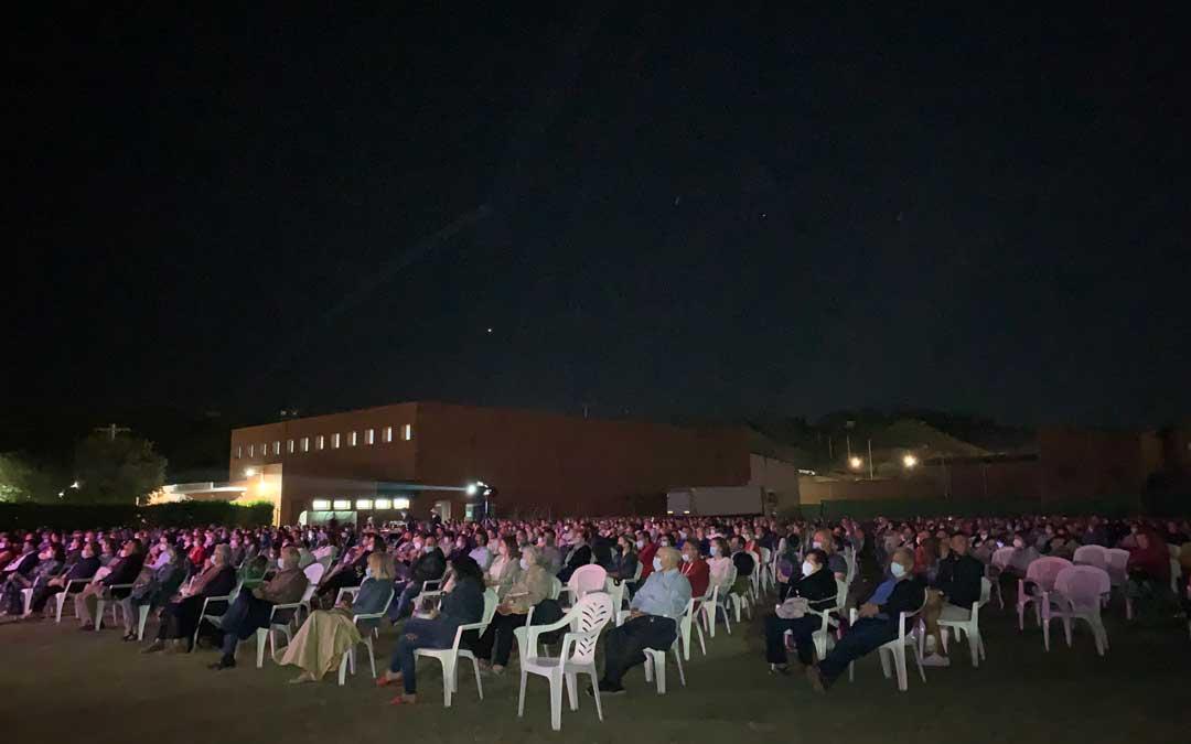 Al concierto de Bertín Osborne en Chiprana acudieron más de 600 personas / P.S.