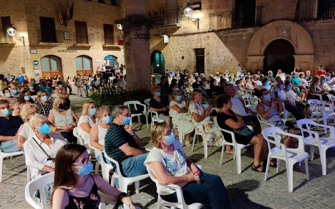 Concierto de Francisco Turull celebrado este jueves por la noche en Cretas./ Alberto Gracia