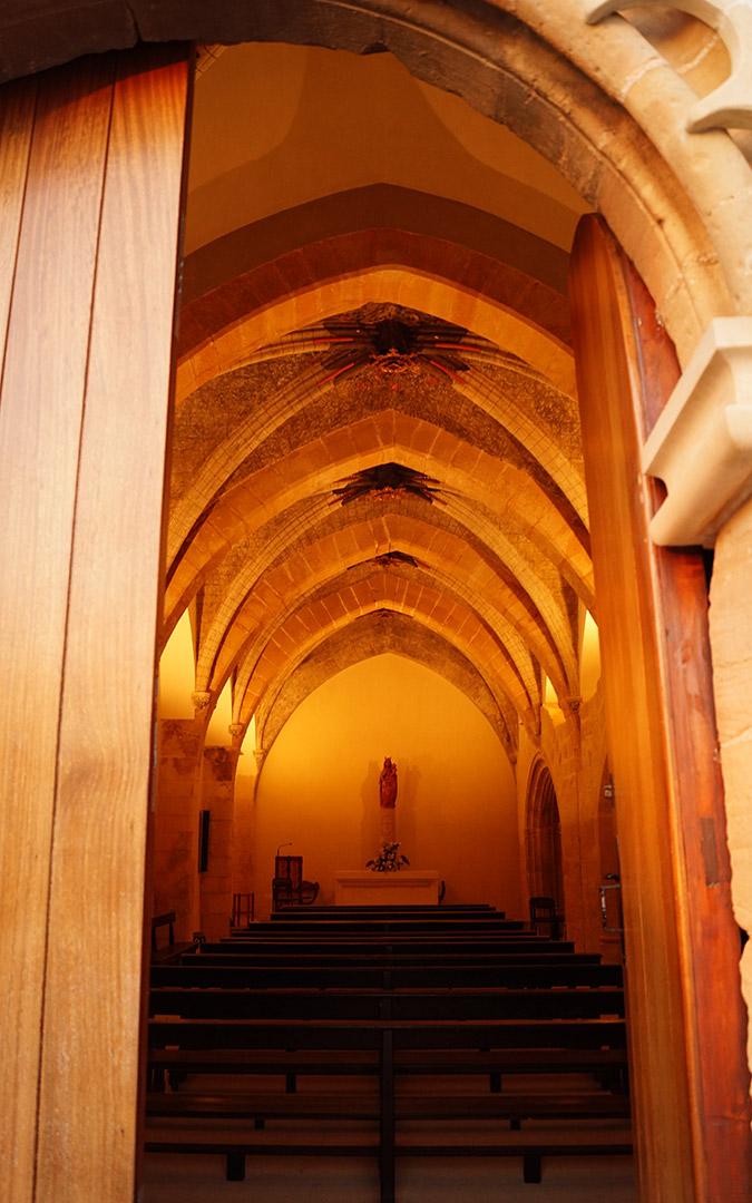 Interior de la Ermita del Pilar
