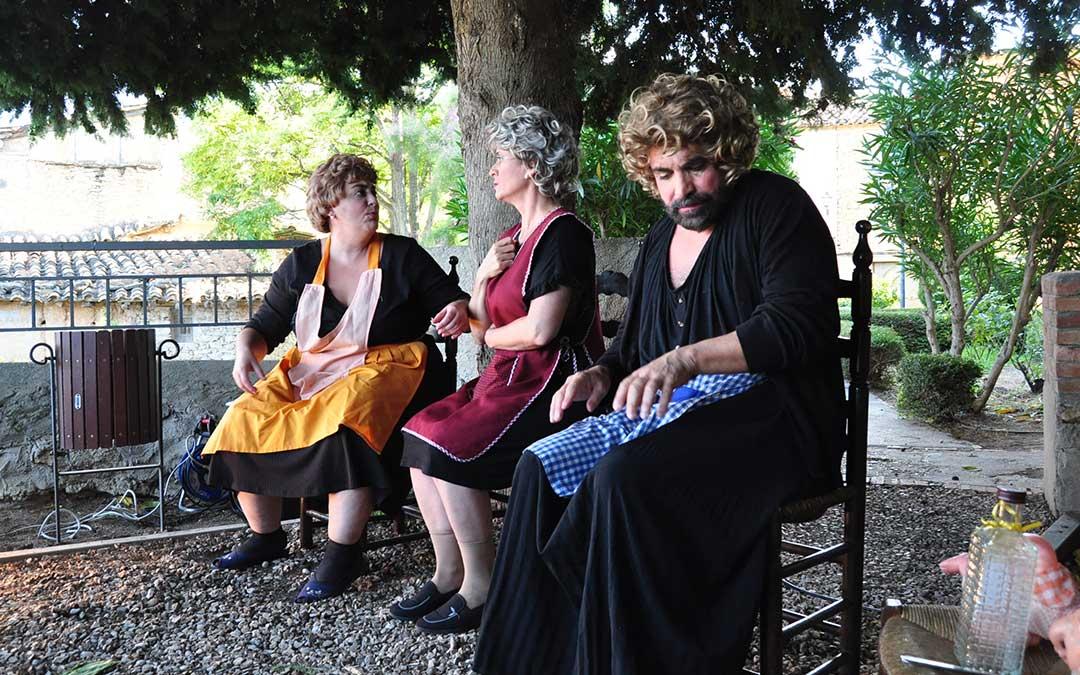 El acto de espera del furgón del pan ha sido el tema central de la representación de Las Mañas. J. L.