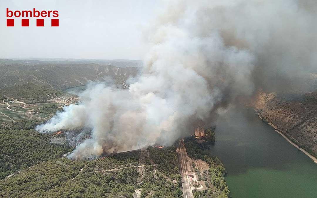 Incendio en la Pobla de Massaluca./ Bombers