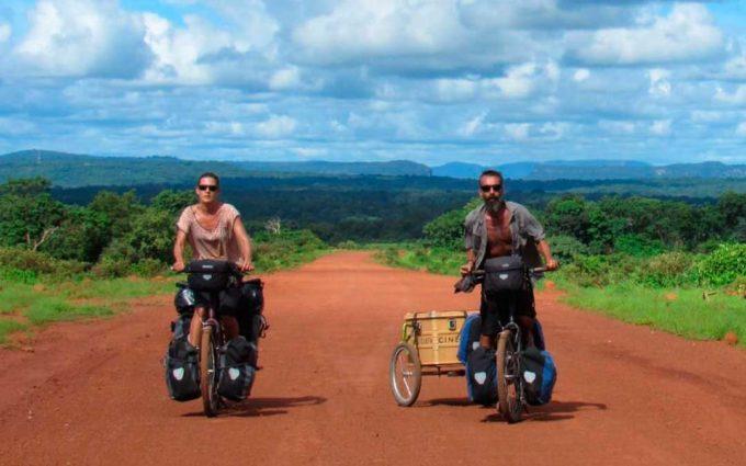 La Cinecicleta viaja de África al Maestrazgo de la mano de Carmelo López e Isabel Segura