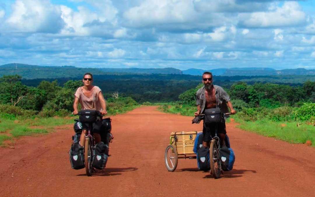 Isabel Segura y Carmelo López recorrieron 14 países africanos en bicicleta / C.L. e I.S.