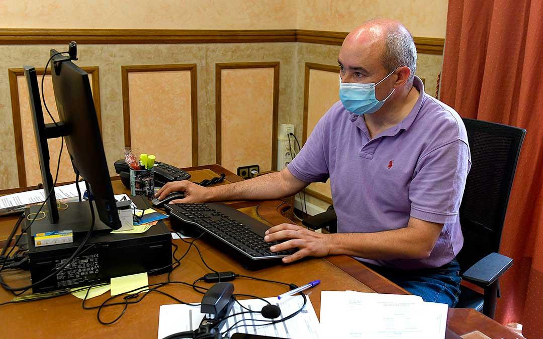 El alcalde en funciones del Ayuntamiento de Alcañiz, Javier Baigorri./ Ayto. de Alcañiz