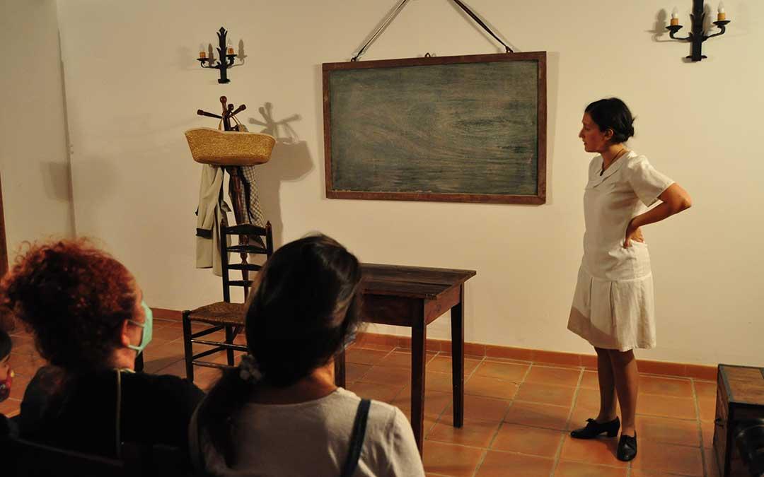 La Historia de una Maestra ha suscitado el masivo interés de los asistentes del Matarranya Íntim con hasta 3 pases durante todo el fin de semana. J.L.