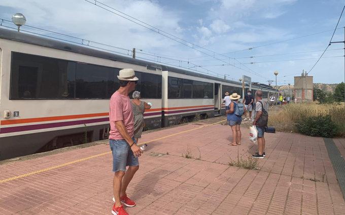Una avería en un tren deja a 119 pasajeros «tirados» varias horas